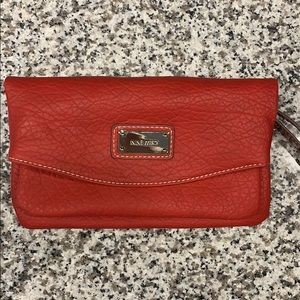 Nine West wristlet/crossbody bag!